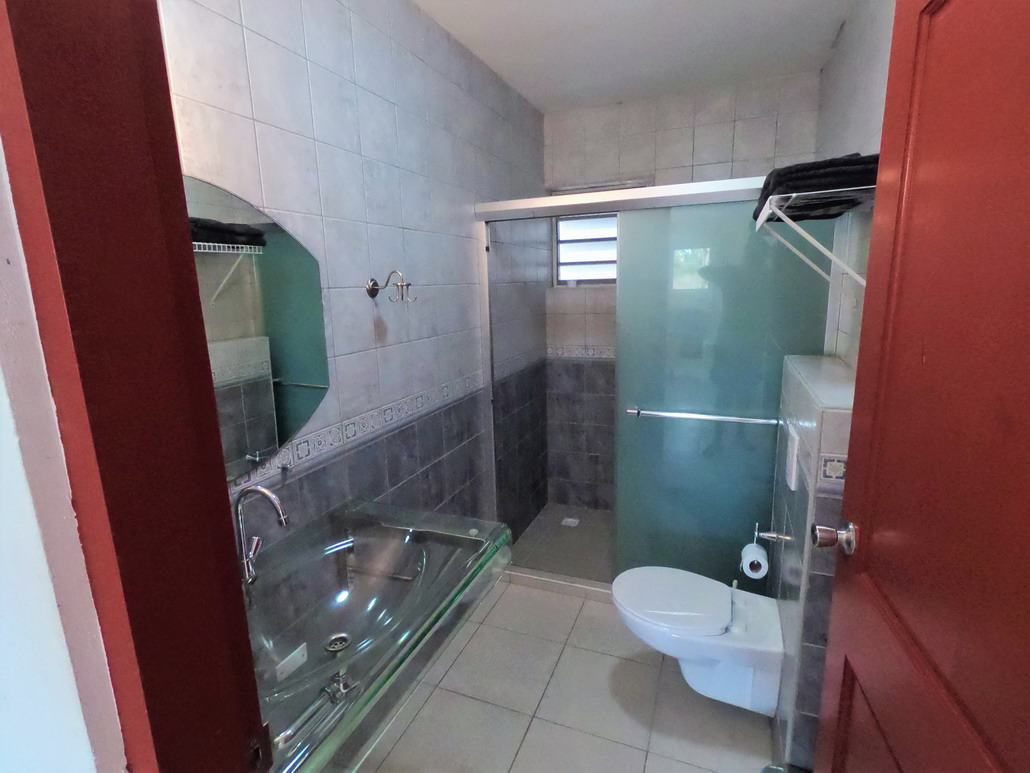 2 persoons appartement, badkamer